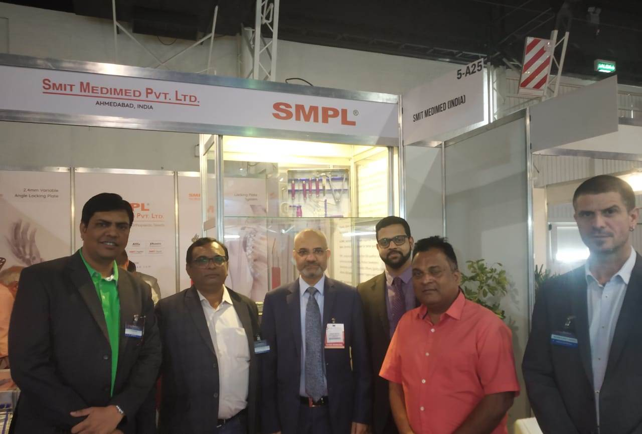SMPL owner with Dinesh Bhatia - Ambassador of India- Argentina, Uruguay & Paraguay at Expo medical 2019